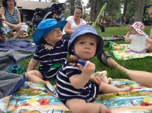 Remy and Barrett, 27 June, at a PEPS meeting at Manito Park. Their similar outfits are just a coincidence!